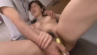 Sexy Japanese Woman gets stimulated by various Toys